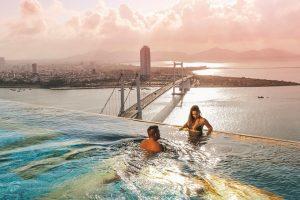Khách sạn Golden Bay - Khách sạn dát vàng