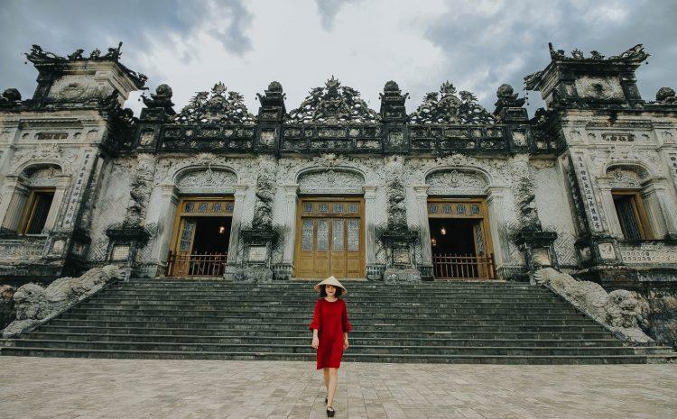Lăng Khải Định – địa điểm tham quan kiến trúc Huế